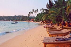 Шри-Ланка - пляжи Хиккадувы
